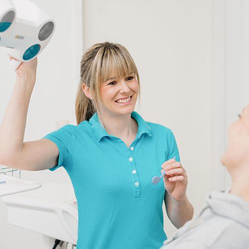 Zahnarzt Offingen - Dr. Rudolf Jahn - Praxis - Behandlung